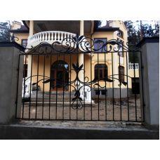 Элегантные металлические ворота