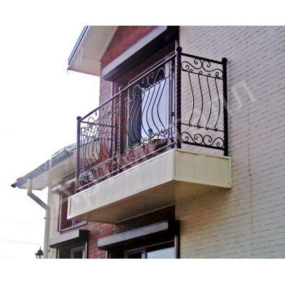 Балконное ограждение с ковкой