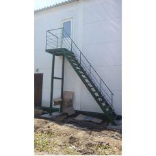 Уличная лестница на двух косоурах 9