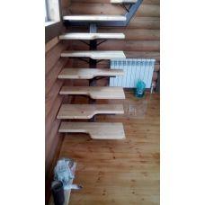 Лестница малогабаритная на одном косоуре