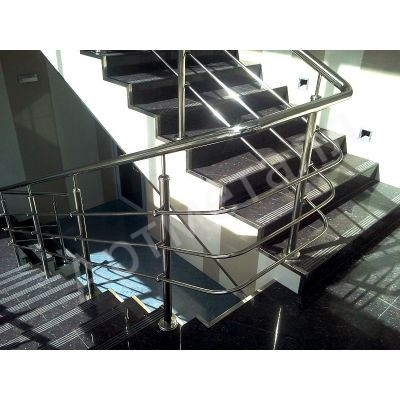 Перила из нержавейки для маршевых лестниц
